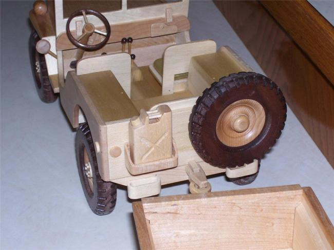 wooden-jeep-and-trailer3