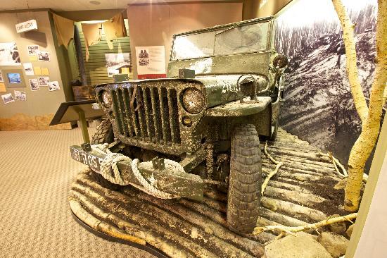 alaska-highway-house-museum-jeep