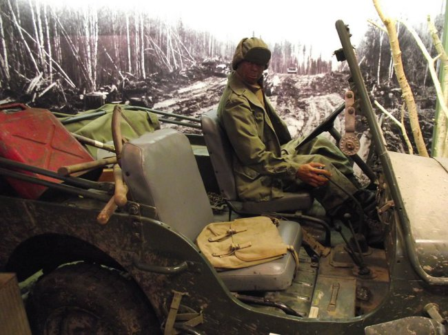 alaska-highway-house-museum-jeep2