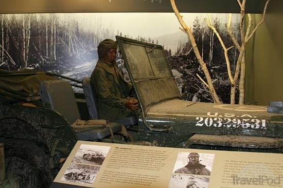 alaska-highway-house-museum-jeep3