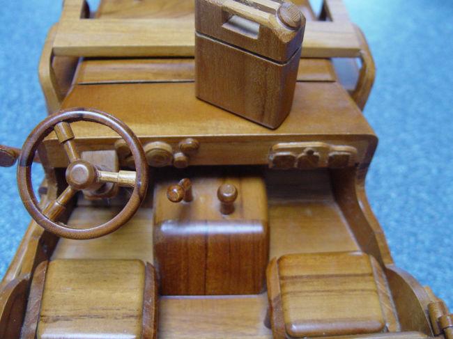 teak-wood-jeep-model3