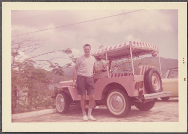 1960-surrey-jeep-pink-photo
