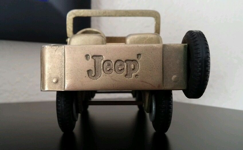 gold-plated-retiree-model-jeep4