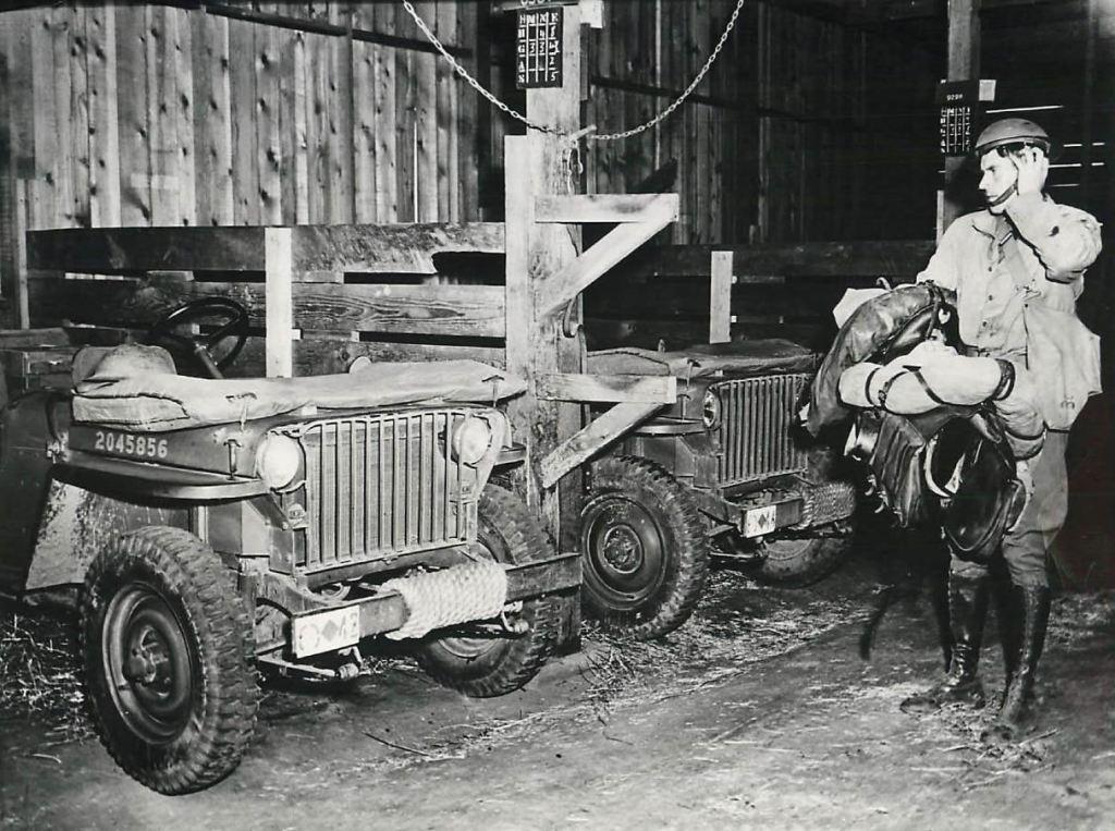 1942-05-04-107th-calvary-slatgrill1