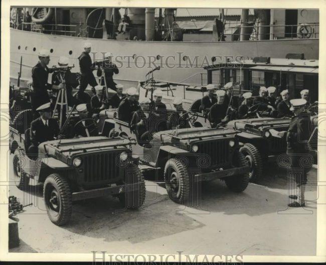 1942-10-20-coastguard-jeeps1