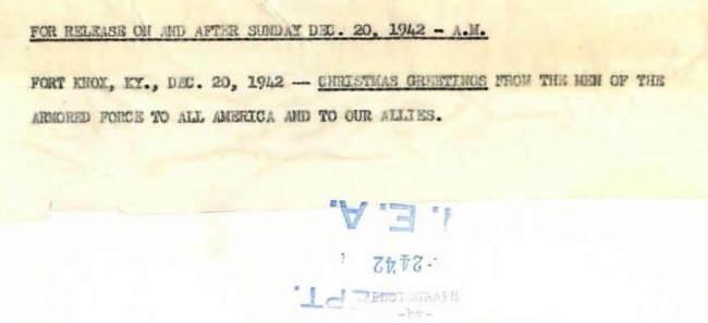 1942-12-20-fortknox-santa2