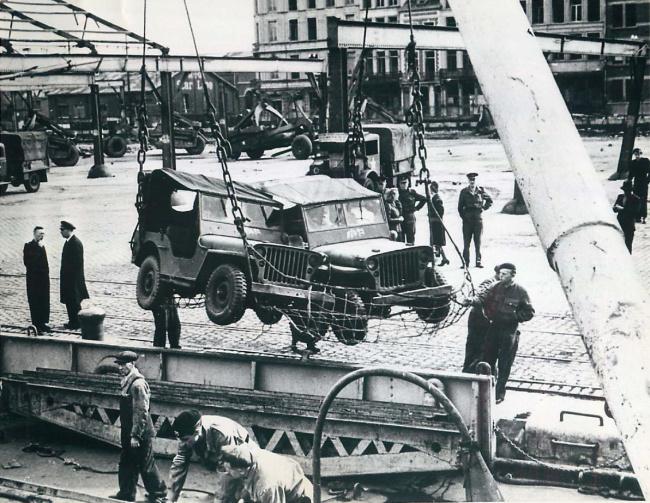 1945-10-31-reconditioned-jeeps-belgium1