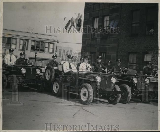 1947-09-17-police-jeeps1