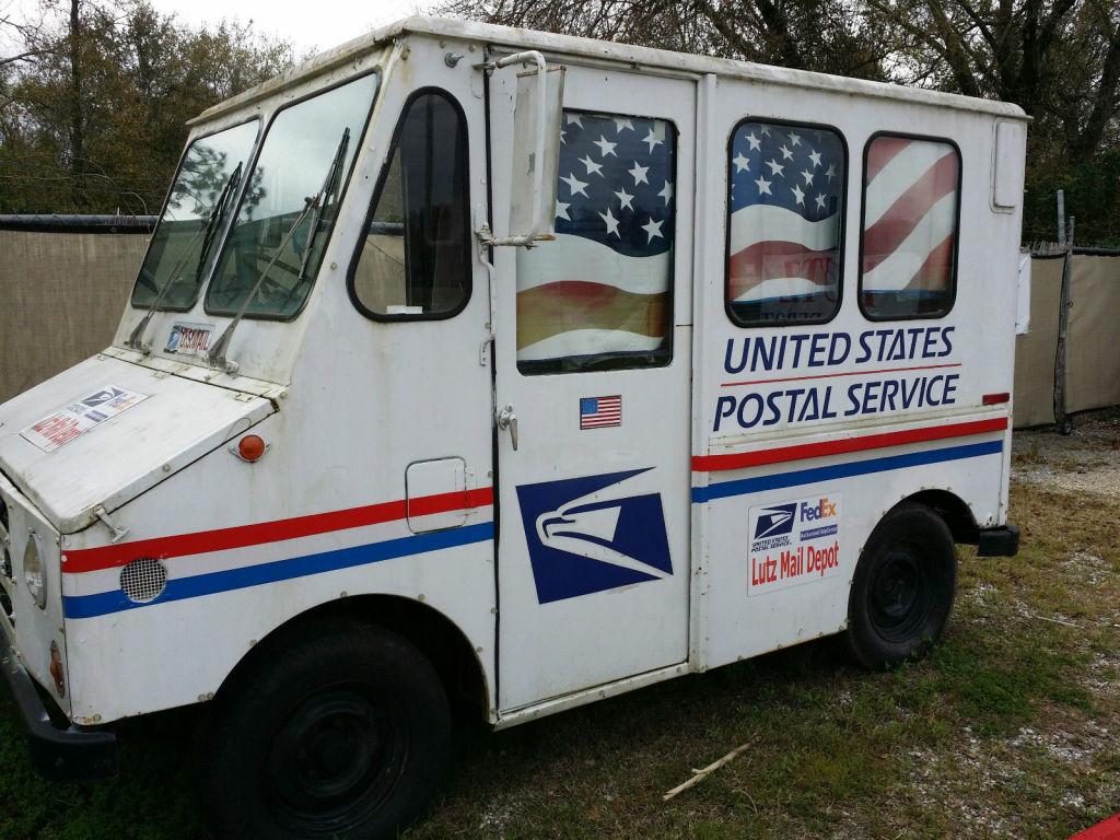 1984-postal-van
