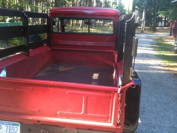 1957-truck-lakeleeanau-mi4