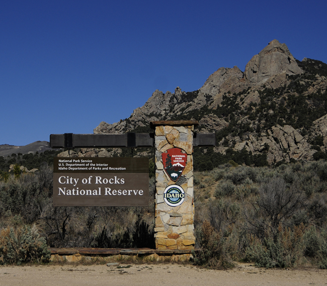 2015-04-13-city-of-rocks-camping-sign