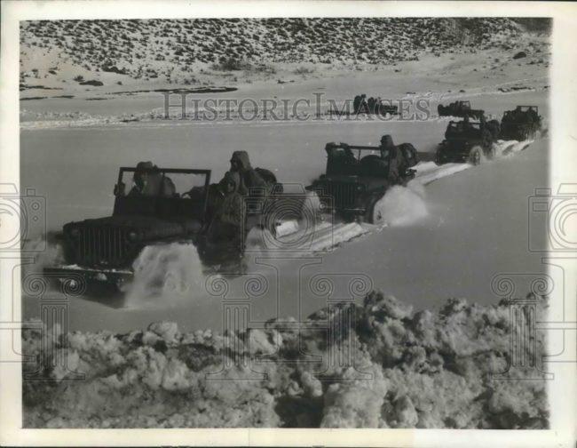 1942-12-23-camp-hale-snow-jeeps3
