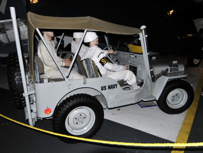 2015-05-08-usslexington-jeep2