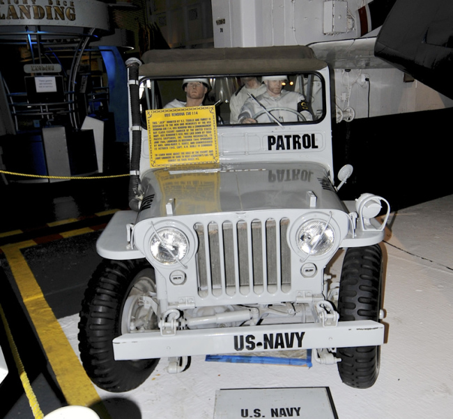 2015-05-08-usslexington-jeep3