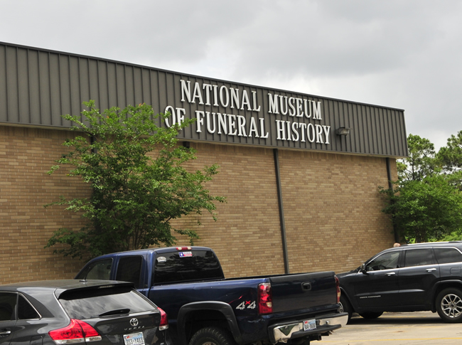2015-05-10-national-funeral-museum1