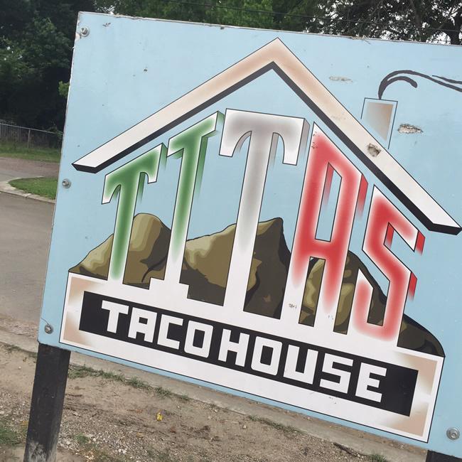 2015-05-11-titas-taco-house1