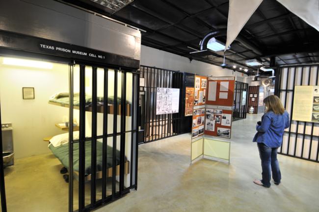 2015-05-12-huntsville-prison-museum0