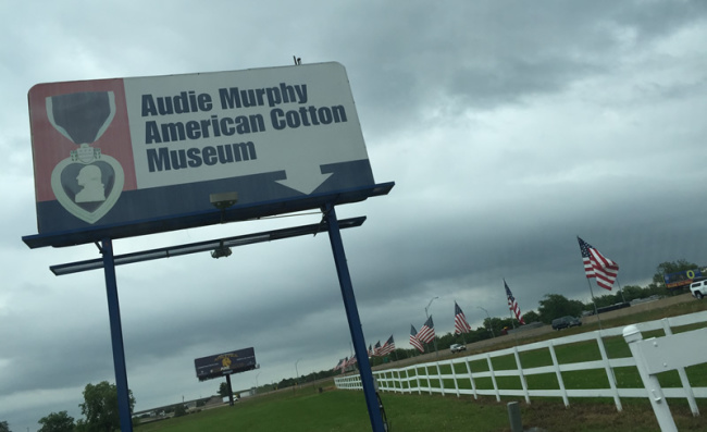 2015-05-13-cotton-audie-murphy-museum5