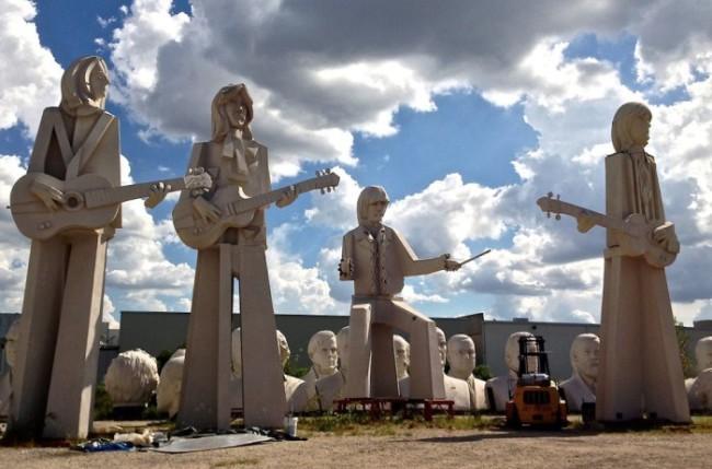 houston-beatles-statues-houston-president-heads-adickes-sculpturworx-studio-700x462
