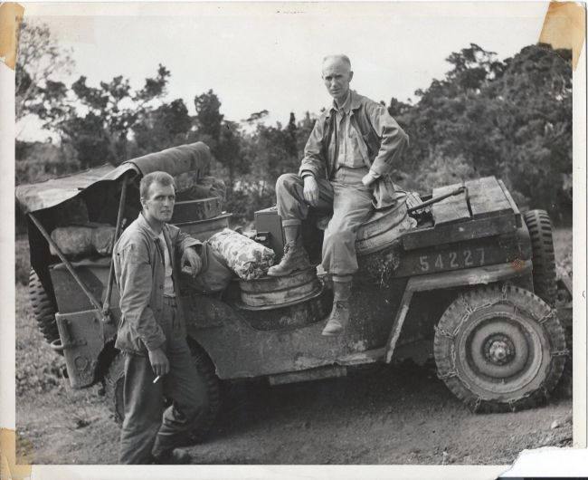 1945-04-20-ernie-pyle-photo1