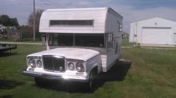 1963-wagoneer-camper-wakeeney-ks3