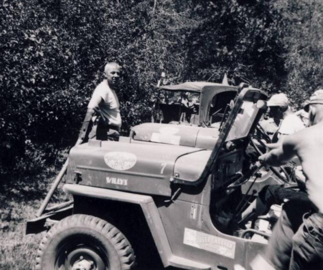 jeep-caravan-trip-1960s-1