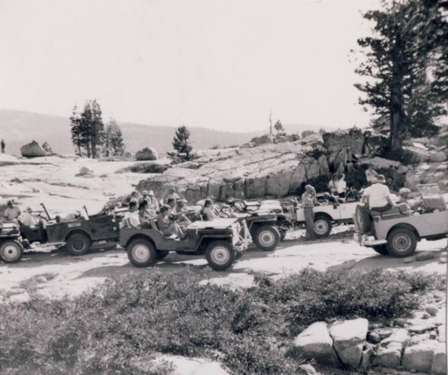 jeep-caravan-trip-1960s-11