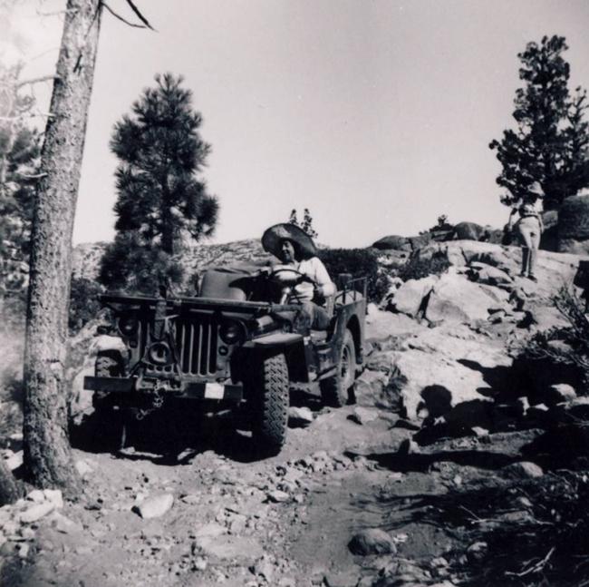 jeep-caravan-trip-1960s-13