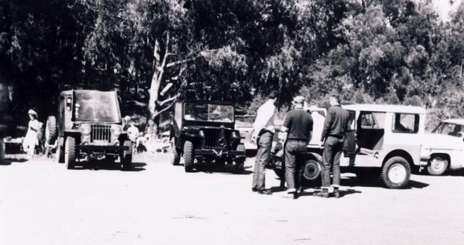 jeep-caravan-trip-1960s-16