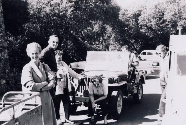 jeep-caravan-trip-1960s-19