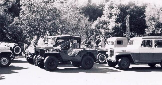 jeep-caravan-trip-1960s-20