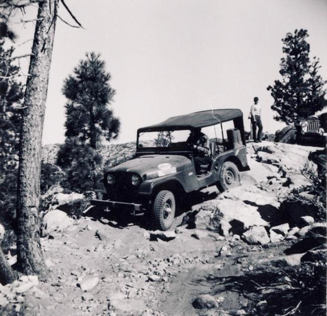 jeep-caravan-trip-1960s-4