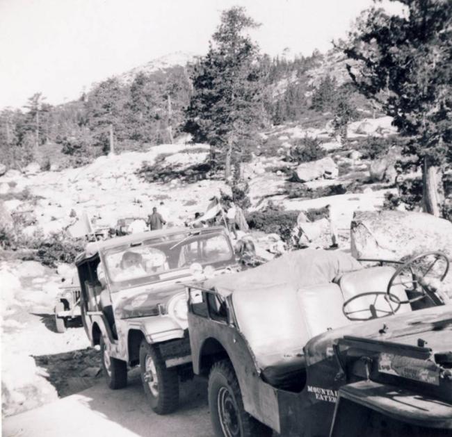 jeep-caravan-trip-1960s-5