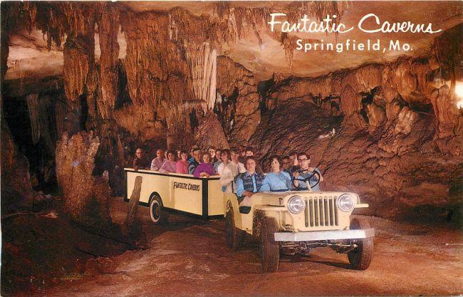 postcard-fantastic-caverns1