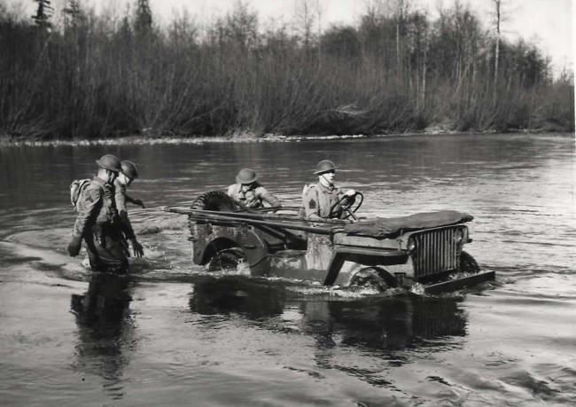 1942-02-04-floating-jeep1