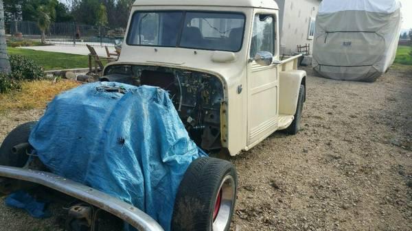 1947-truck-monterey-ca
