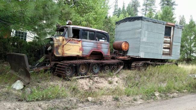 wagon-trailer-on-tracks-facebook