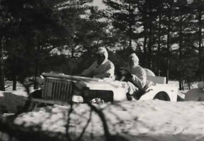 1942-02-25-bantam-brc60-white-jeeps0
