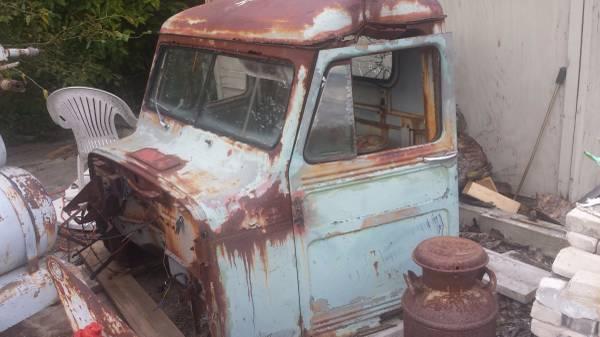 1951-truck-parts-freeland-mi3