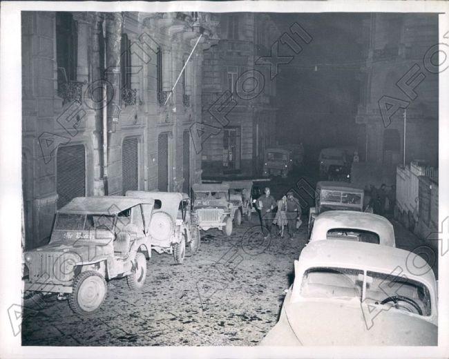 1942-12-16-italy-night-jeeps1