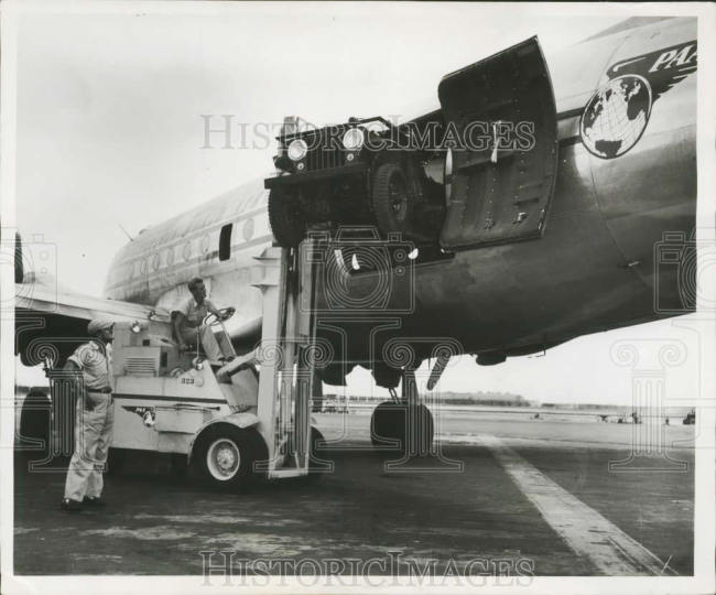 1947-08-08-jeep-loaded-on-airplane1