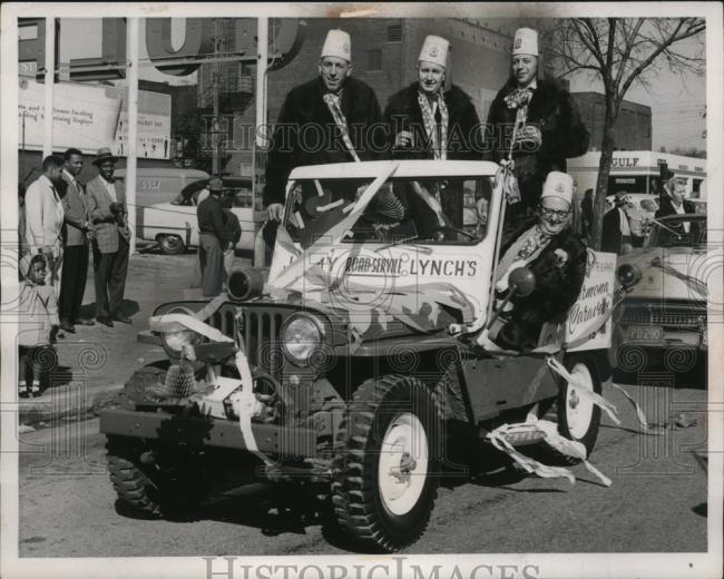 1957-03-19-st-pats-parade1