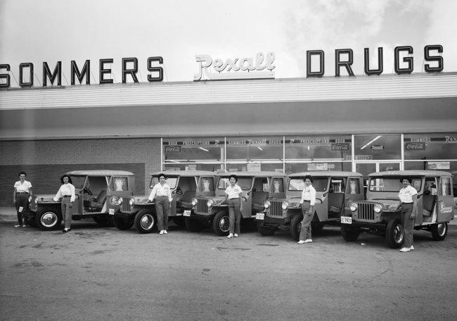 1959-sanantonio-dj3a-sommers-pharmacy-1
