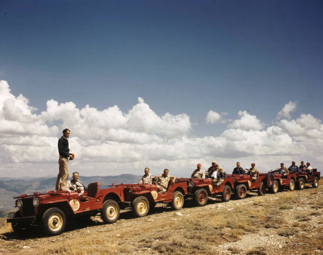 1950s-bountiful-jeep-posse-uhs2
