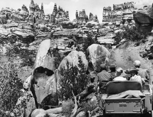 1963-canyonlands-np-jeep-exploration-uhs