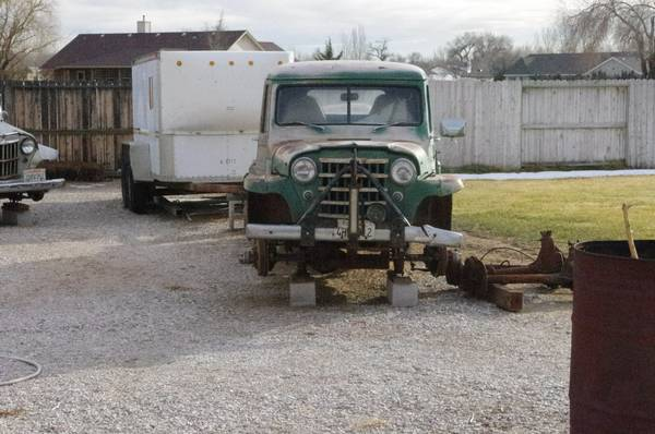 four-wagons-trucks-fallon-nv3