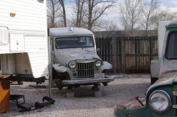four-wagons-trucks-fallon-nv4