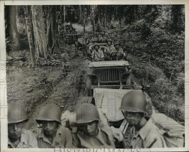 1943-10-29-islands-line-of-jeep1