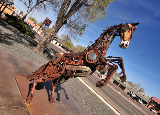 2016-03-20-car-part-horse3