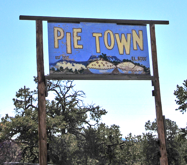 2016-03-20-pie-town-sign1